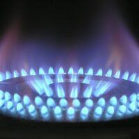 ¿Cómo limpiar el quemador de una estufa de gas?